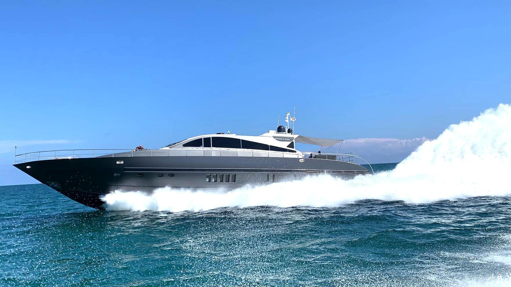 90-leopard-yacht-charter-miami-beach-bahamas-cover-zen